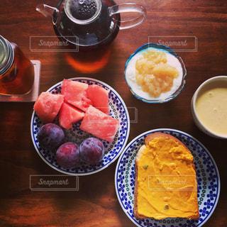 夏の朝ごはんの写真・画像素材[1097880]