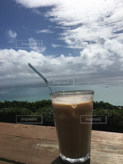水のカップの写真・画像素材[1100692]