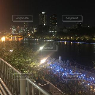 夜の街の景色の写真・画像素材[1100087]