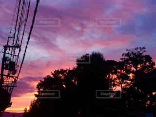 夕暮れ時の都市の景色の写真・画像素材[1099304]