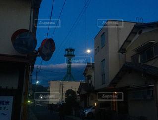 街の通りのビューの写真・画像素材[1115404]