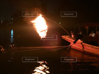 水から出てくる煙の写真・画像素材[1161729]
