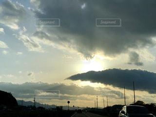 空には雲のグループの写真・画像素材[1161738]