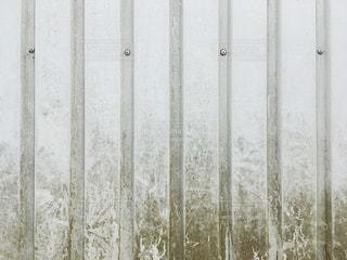 汚れたトタン壁の写真・画像素材[1112176]