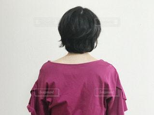 女性の後ろ姿の写真・画像素材[1418207]