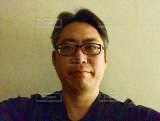 メガネの男の写真・画像素材[1204097]
