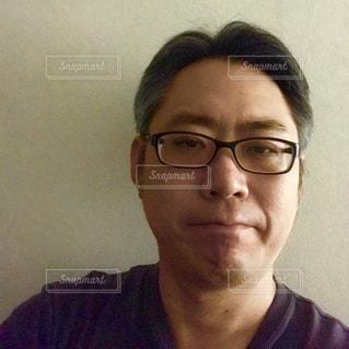 メガネの男の写真・画像素材[1215441]