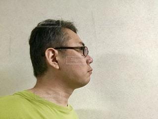 眼鏡の横顔。の写真・画像素材[2505773]