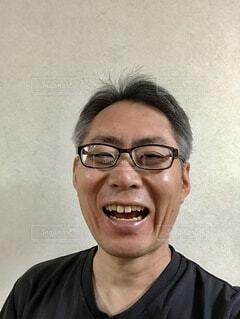 笑う男。の写真・画像素材[3768158]