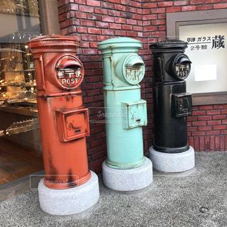 昔ながらの郵便ポストの写真・画像素材[1104149]