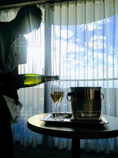 サプライズワインの写真・画像素材[1119098]