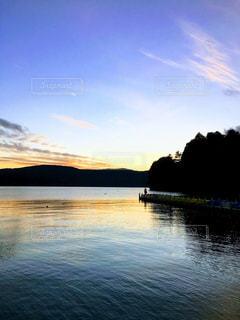 水の大きな体の写真・画像素材[1112782]
