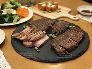 牛肉 盛り合わせの写真・画像素材[1348191]