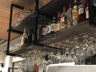 ベーカリー&レストラン 沢村 ワイングラスの写真・画像素材[1358838]