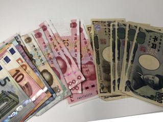 外貨と日本円の写真・画像素材[1124864]