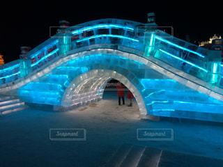 氷の橋の写真・画像素材[1104425]