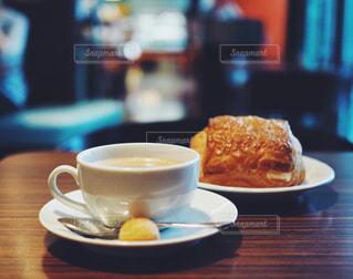クローズ アップ食べ物の皿とコーヒー カップの写真・画像素材[1722132]