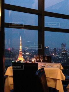 記念日ディナーと東京タワーの写真・画像素材[1105683]