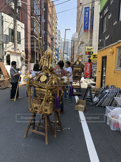 街の通りの人々 のグループの写真・画像素材[1153438]
