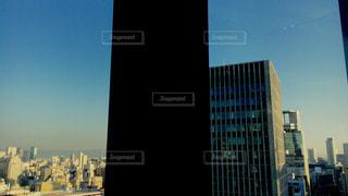 晴れの日の都会の景色の写真・画像素材[1108762]