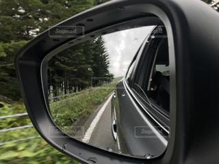車のサイドミラー ビューの写真・画像素材[1107600]