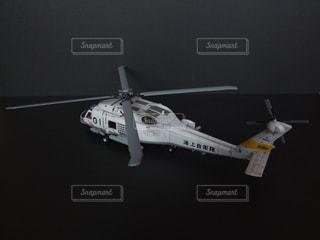 テーブルの上のヘリコプターの写真・画像素材[1623907]