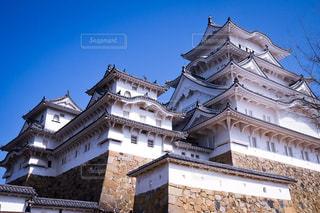姫路城の側に時計城の写真・画像素材[1122000]