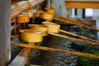 神社の手水場の写真・画像素材[1111712]