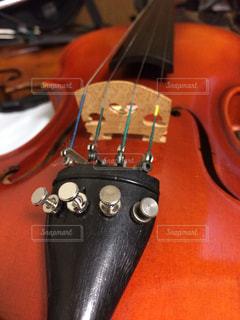 ヴァイオリンの写真・画像素材[1118948]