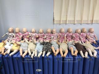 小児の心肺蘇生法の写真・画像素材[1122037]