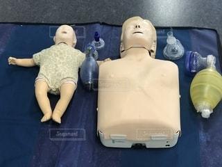 心肺蘇生法のトレーニングの写真・画像素材[1122040]