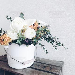 白い花束の写真・画像素材[1112740]