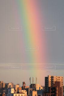 打ち上げられた虹の写真・画像素材[1212674]