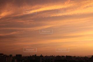 オレンジ色の風の写真・画像素材[1579214]