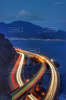 富士山と東名高速道路の写真・画像素材[1112956]