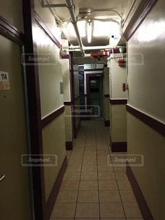 アメリカの粗末なホテルの写真・画像素材[1114635]