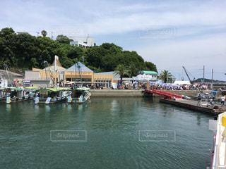 港のマルシェの写真・画像素材[1117047]