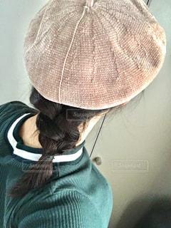 ベレー帽ヘアアレンジの写真・画像素材[1556205]