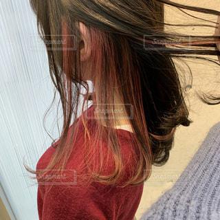 インナーヘアカラー ピンクの写真・画像素材[1681934]