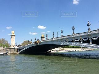 アレクサンドル三世橋とセーヌ川2の写真・画像素材[1138909]