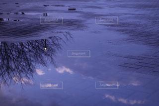 水たまりと空の写真・画像素材[1116929]