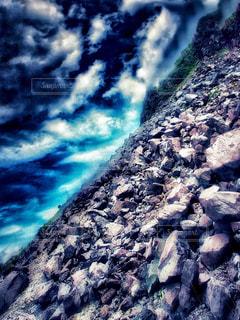 近くの岩のアップの写真・画像素材[1401415]
