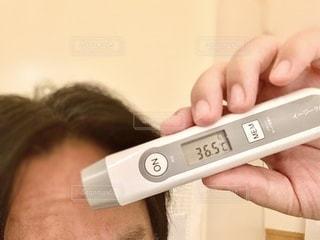 非接触型体温計の写真・画像素材[3467008]