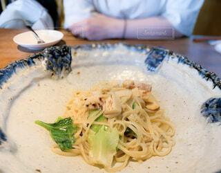 ブロッコリーと一緒に食べ物のプレートの写真・画像素材[4406812]