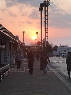 旅立ちの朝の写真・画像素材[1118544]