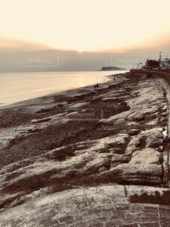 日没前の七里ヶ浜の写真・画像素材[1122460]