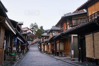 早朝の京都 二寧坂の写真・画像素材[1120653]
