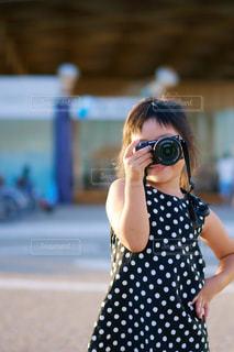 カメラ女子の写真・画像素材[1125544]