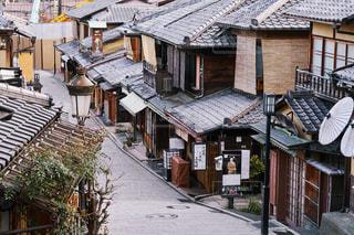 早朝の京都 二寧坂の写真・画像素材[1125551]