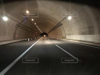 トンネル走行中の写真・画像素材[1126482]